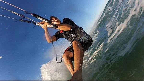 kitesurfing-la-ventana-spartan-traveler