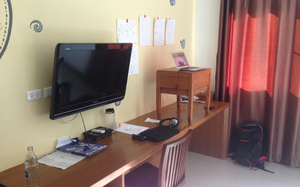 stand-up-desk-chiang-mai-spartantraveler